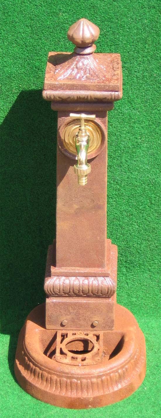 nostalgischer standbrunnen mit wasserhahn 114cm rostig. Black Bedroom Furniture Sets. Home Design Ideas