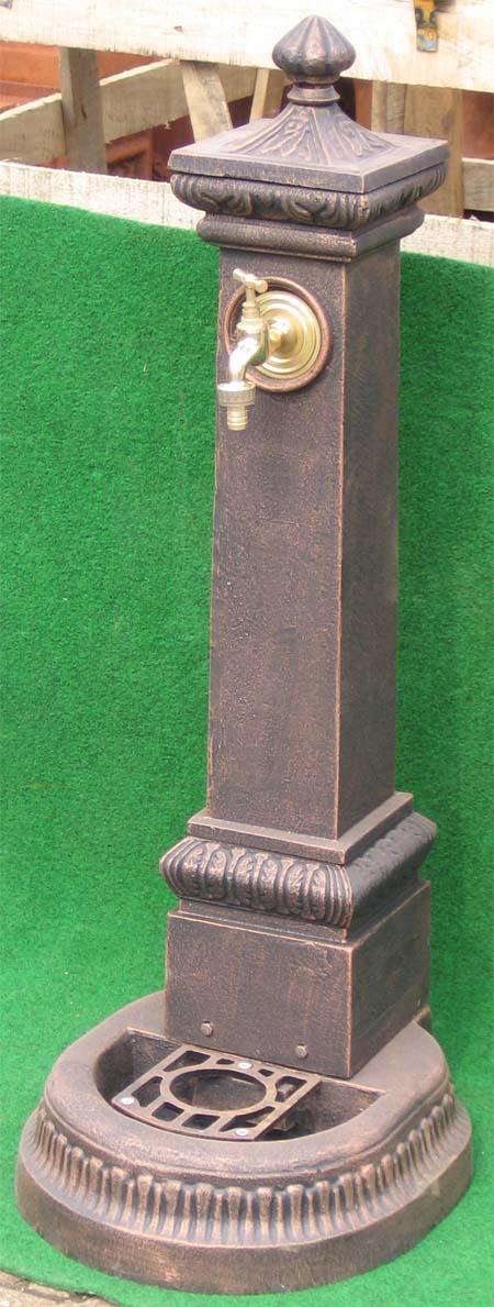 nostalgischer standbrunnen mit wasserhahn 114cm garten passion. Black Bedroom Furniture Sets. Home Design Ideas
