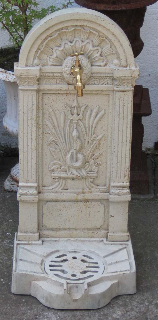 eisen standbrunnen antik weiss 79cm wasserhahn ebay. Black Bedroom Furniture Sets. Home Design Ideas