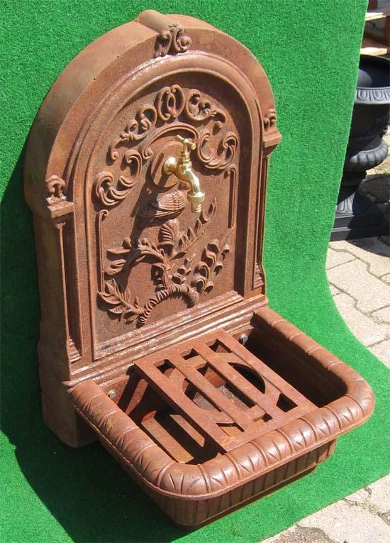 eisen standbrunnen antik rost 82 cm wasserhahn ebay. Black Bedroom Furniture Sets. Home Design Ideas