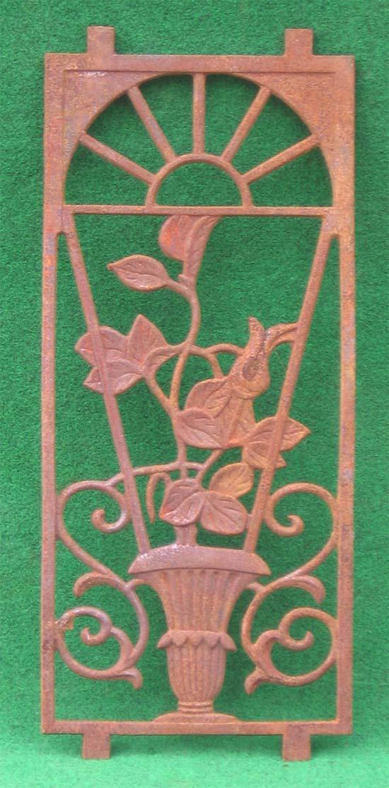Wandornament jugendstil look vase gusseisen antik rost for Rost gitter garten