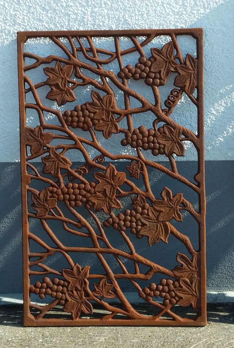 Wandornament trauben gusseisen antik rost gitter for Rost gitter garten
