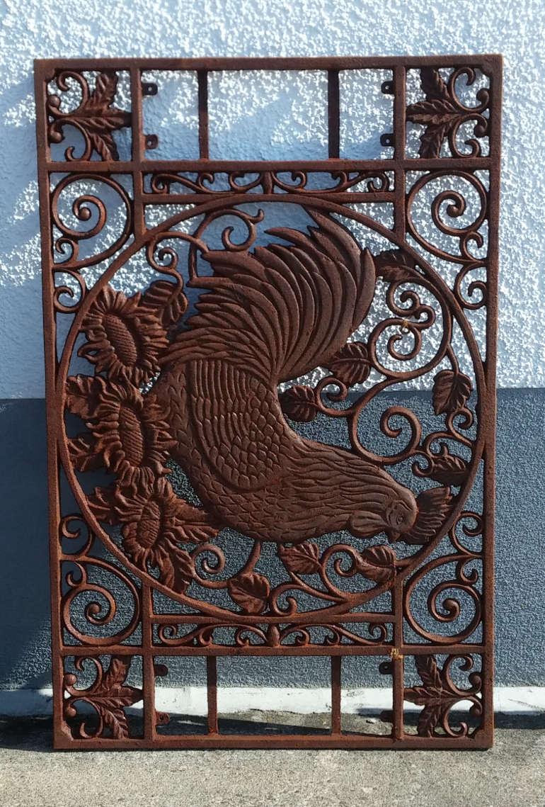 Wandornament stolzer hahn gusseisen antik rost gitter for Rost gitter garten