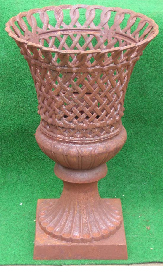 grosser durchbrochener Korb antik rost auf Garten Passion ~ Geschirrspülmaschine Korb Rost