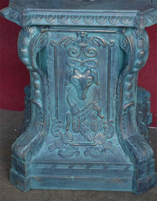 Frauenstatuette auf sockel 4 jahreszeiten antik gr n for Garten 4 jahreszeiten